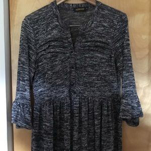Bell sleeved, loose fit shift dress